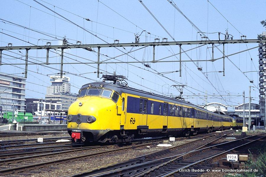 http://www.bundesbahnzeit.de/dso/Utrecht_89/b72-1781.jpg