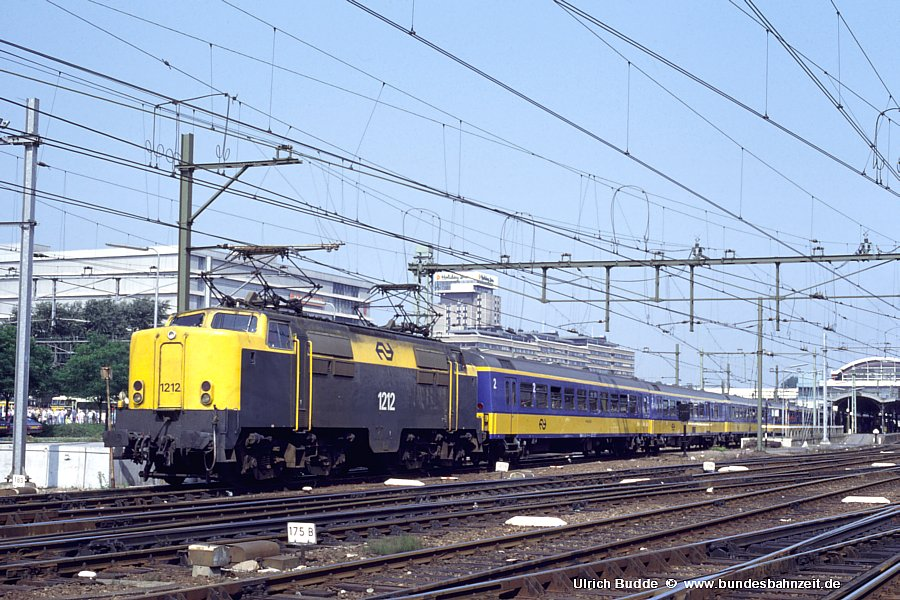 http://www.bundesbahnzeit.de/dso/Utrecht_89/b74-1212.jpg
