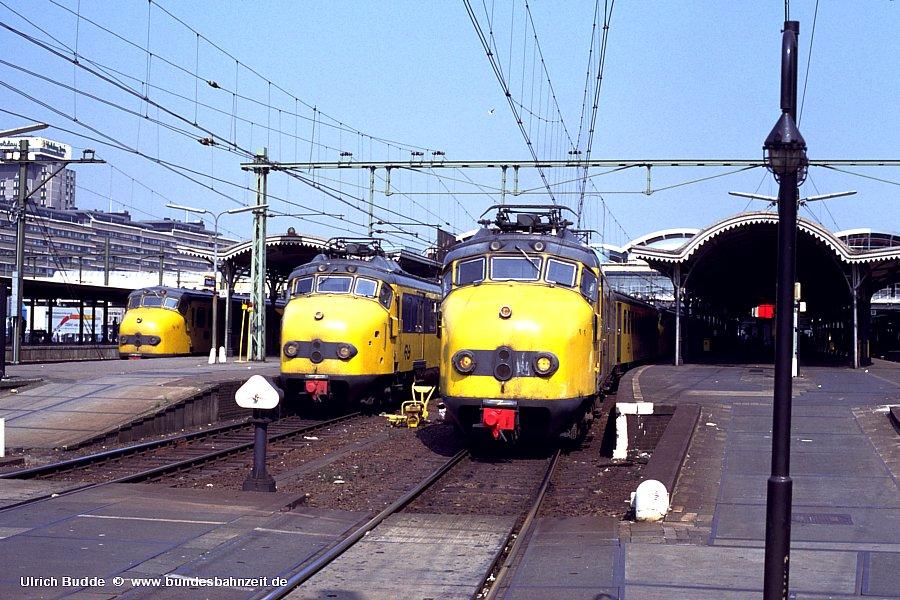 http://www.bundesbahnzeit.de/dso/Utrecht_89/b77-1721,_727.jpg