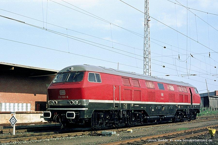 http://www.bundesbahnzeit.de/dso/V320/b03-232_001.jpg