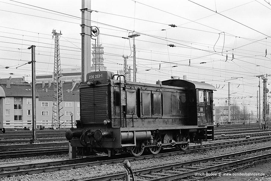 http://www.bundesbahnzeit.de/dso/Wehrmachtsdiesel/b11-236_253.jpg