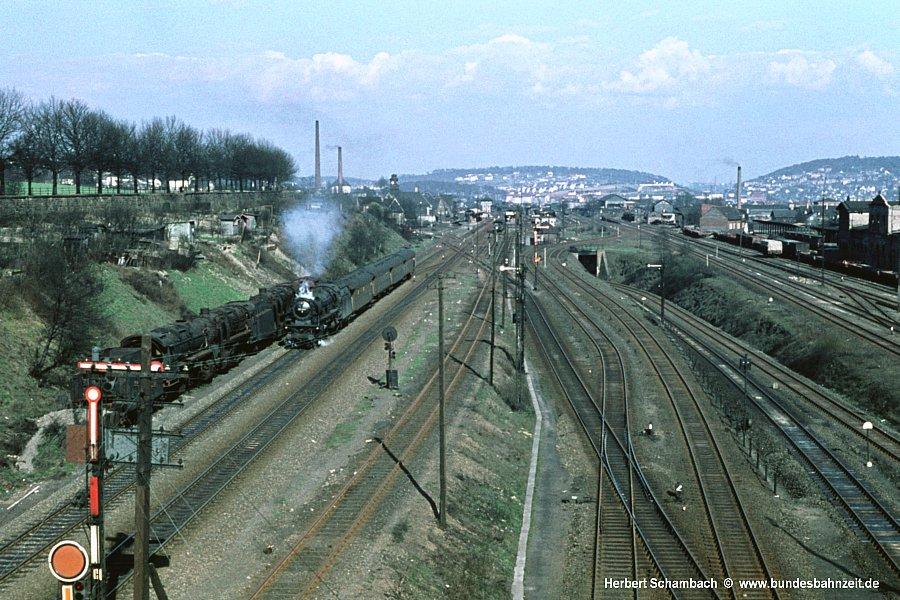 http://www.bundesbahnzeit.de/galerien/03.10%20-%20Die%20Legende%20lebt/jpg-Bilder/b03-03%201050.jpg
